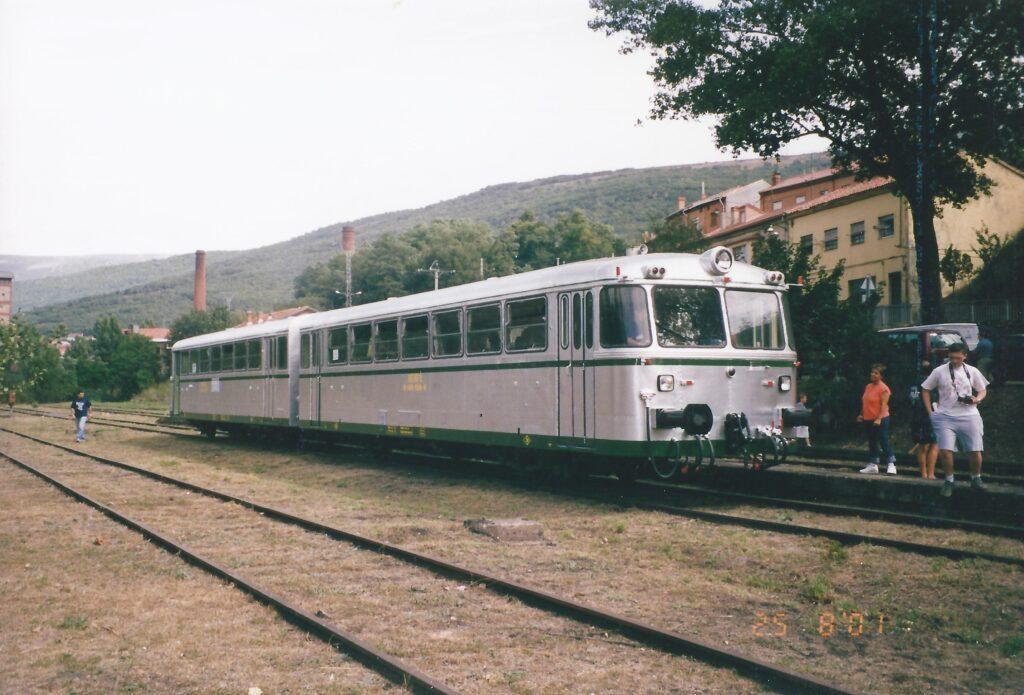 Ferrobús en Barruelo de Santullán