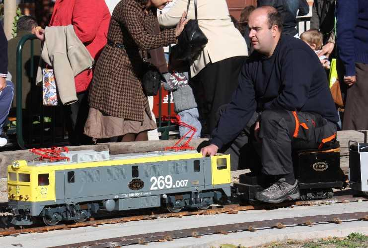 Locomotora BB-01 269-007, el día de su estreno