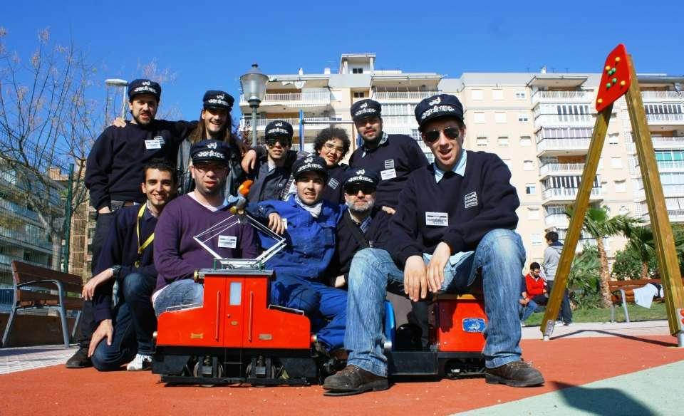 """El grupo con la """"Lucas"""" en Benicàssim."""