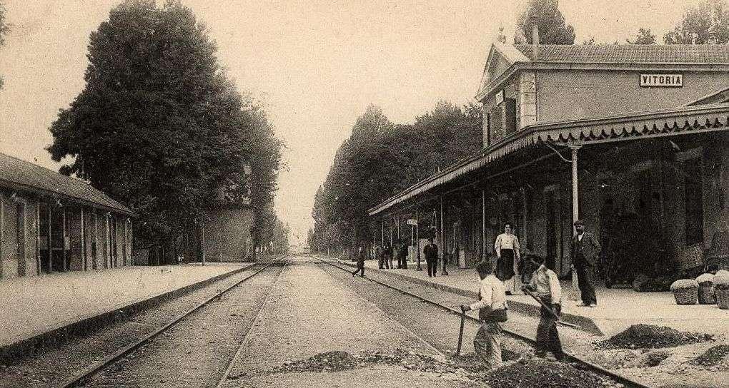 La estación de Vitoria en 1890.