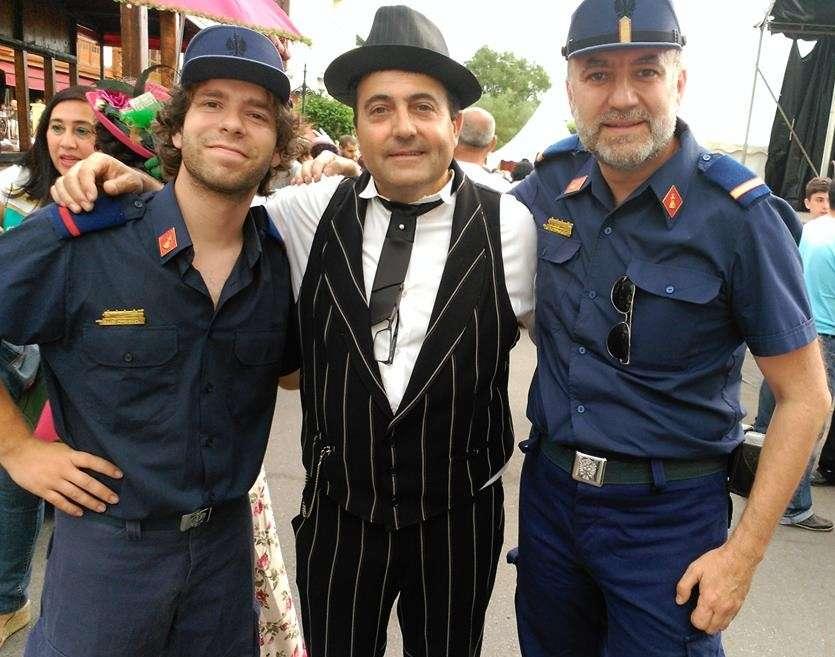 Rubén y Antonio, con el alcalde de Toral