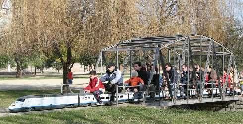 Puente metálico del FC de Can Mercader