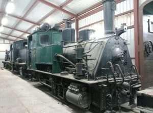 Una locomotora de vapor, conservada por FGC en Manresa.