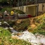 Tren sobre la cascada del FC de Vallparadís
