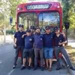 Foto de grupo junto al Pegaso ex EMT Madrid