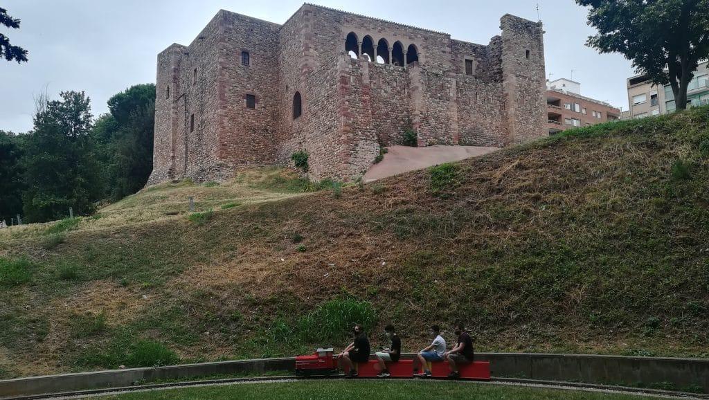 Castillo y tren